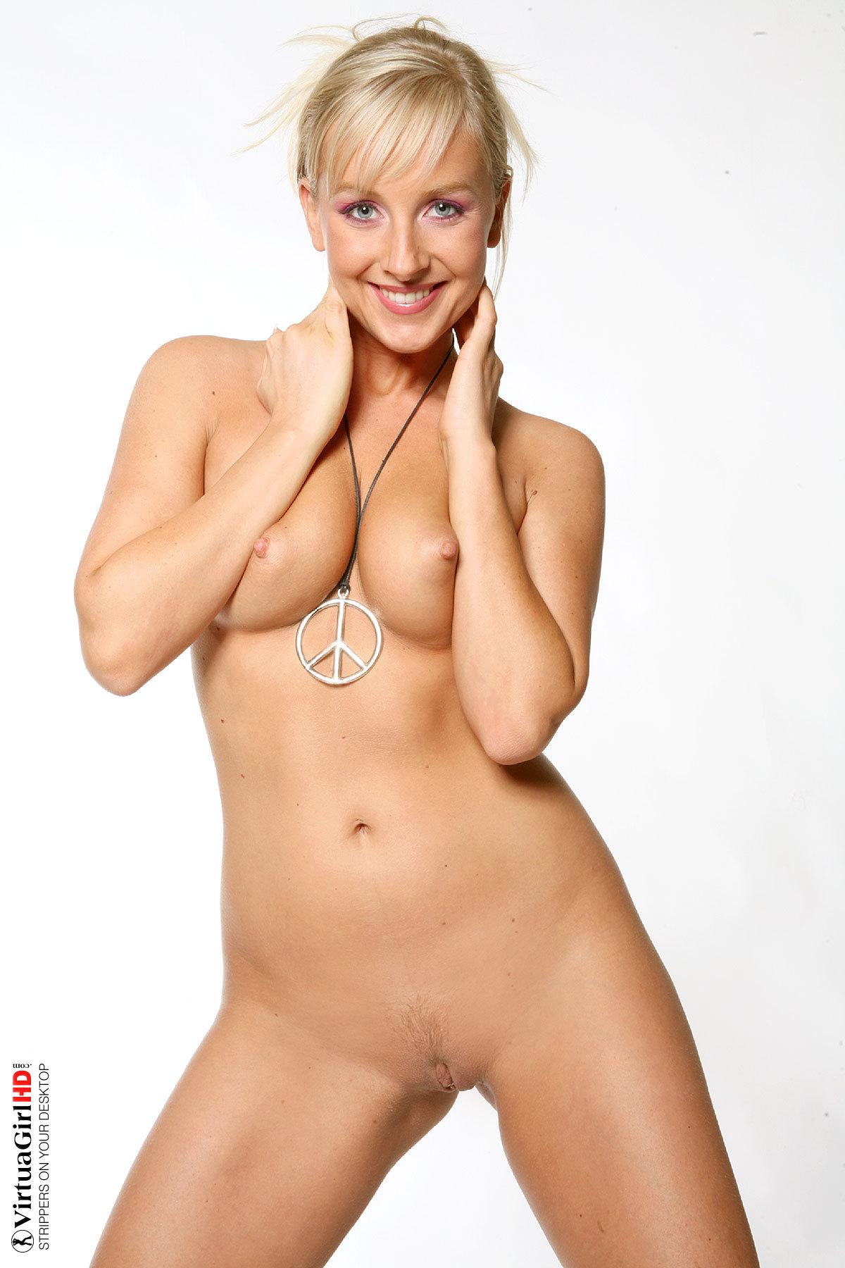 Lucynova full nudity erotic images