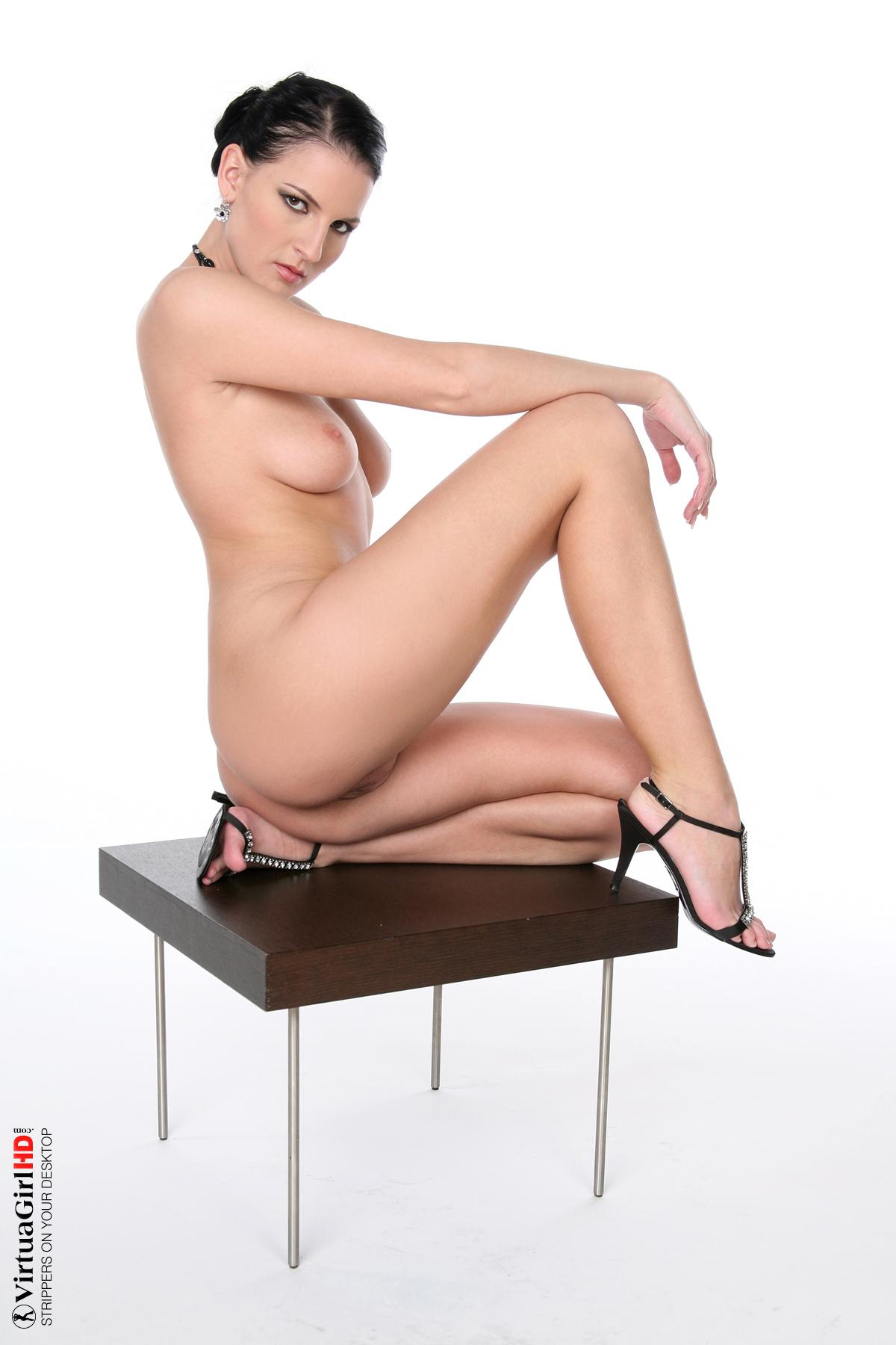 http://gallery.virtuagirlhd.com/a0442/full/VGI0525P030123.jpg